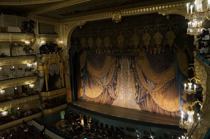 夢に描いたような貴族の麗しさ、マリエンスキー劇場