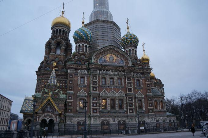 欧州有数の巨大協会「血の上の救世主教会」と「イサク聖堂」