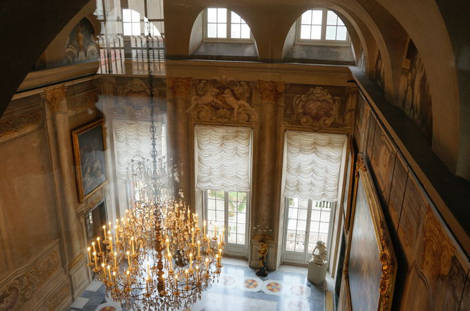 絢爛豪華な商人貴族の時代 赤と白の宮殿