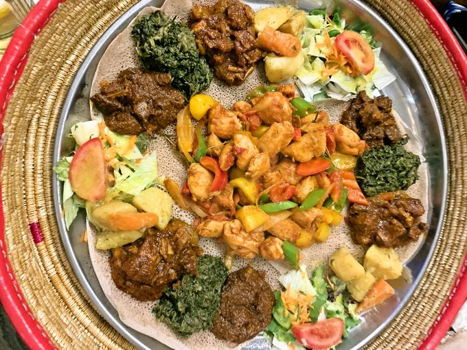 野菜たっぷり、エチオピアのワット料理