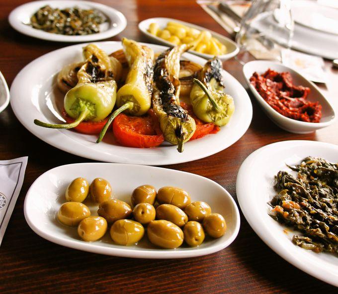 中東の前菜、メゼで色々な野菜を味わう