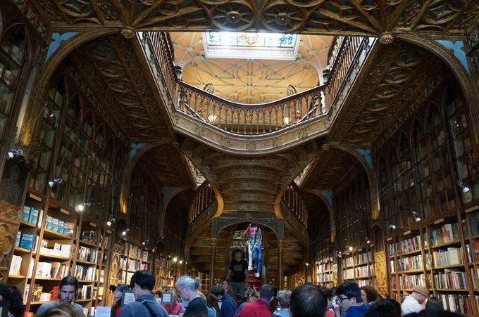 世界で一番美しい書店、そこはハリーポッターワールドだった