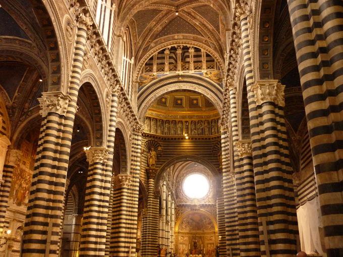 永遠に未完成の大聖堂、ドゥオーモ