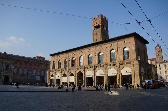 芸術と知識と大学生の街ボローニャ
