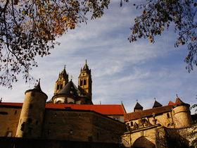 黄金と祈りの場 ドイツ「シュヴェービッシュハル」コムブルク修道院