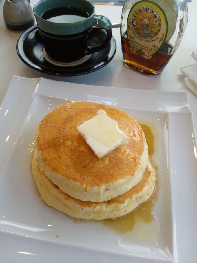 牧場カフェの絶品スイーツ「スフレパンケーキ」を食す!