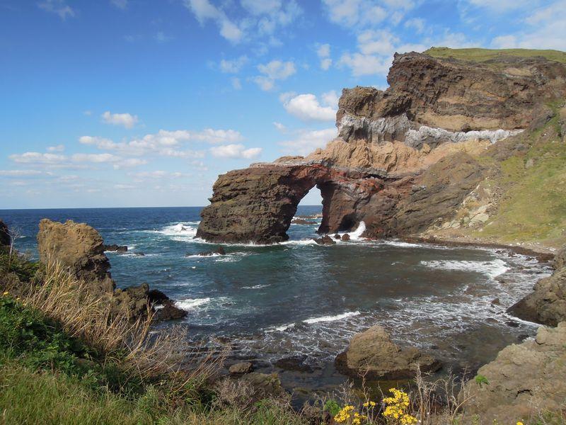 島根県にも離島があった!西ノ島の国賀海岸で見れる自然が作った壮大な景色