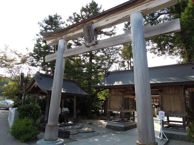 夫婦の神様が祀られている八重垣神社へ