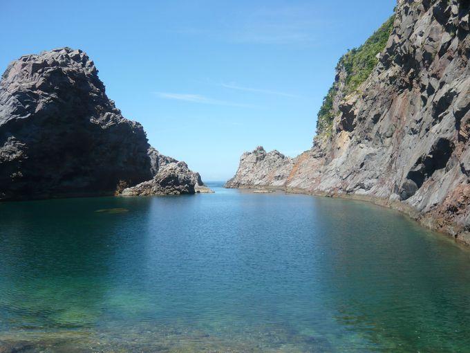 神秘的な絶景が魅力の千両池