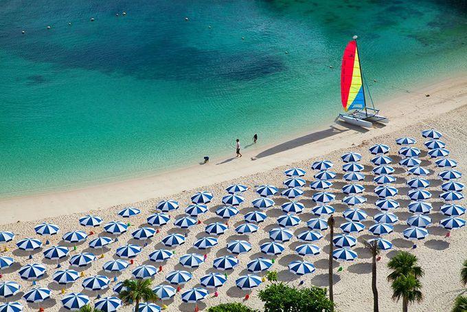 ルネッサンス リゾート オキナワのビーチやプールを利用できる