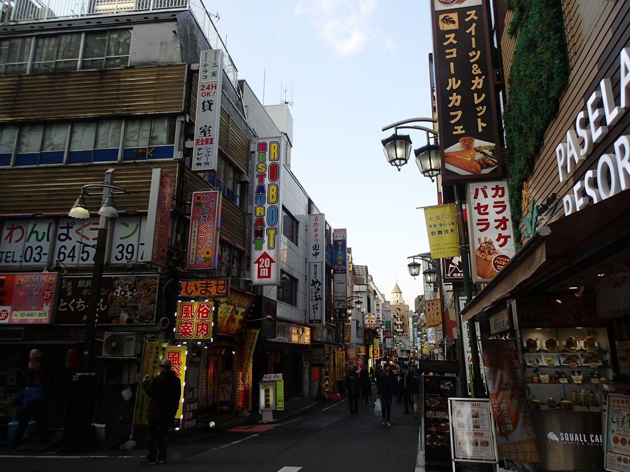歌舞伎町ウォーキングが楽しい