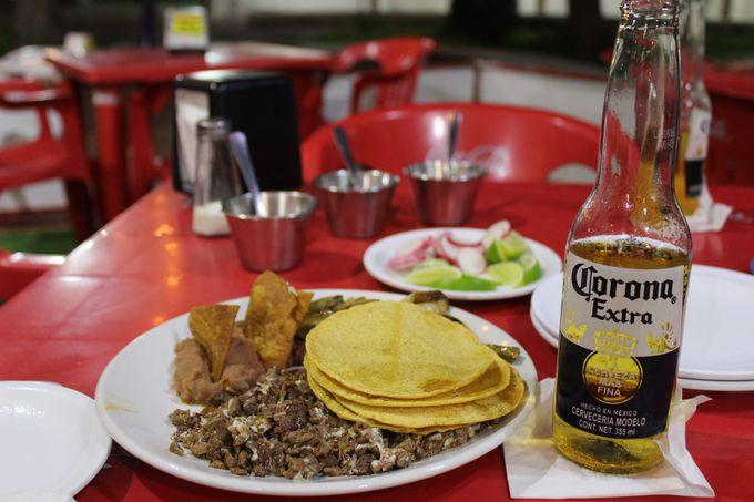 タコスの人気店Tacos Rigo