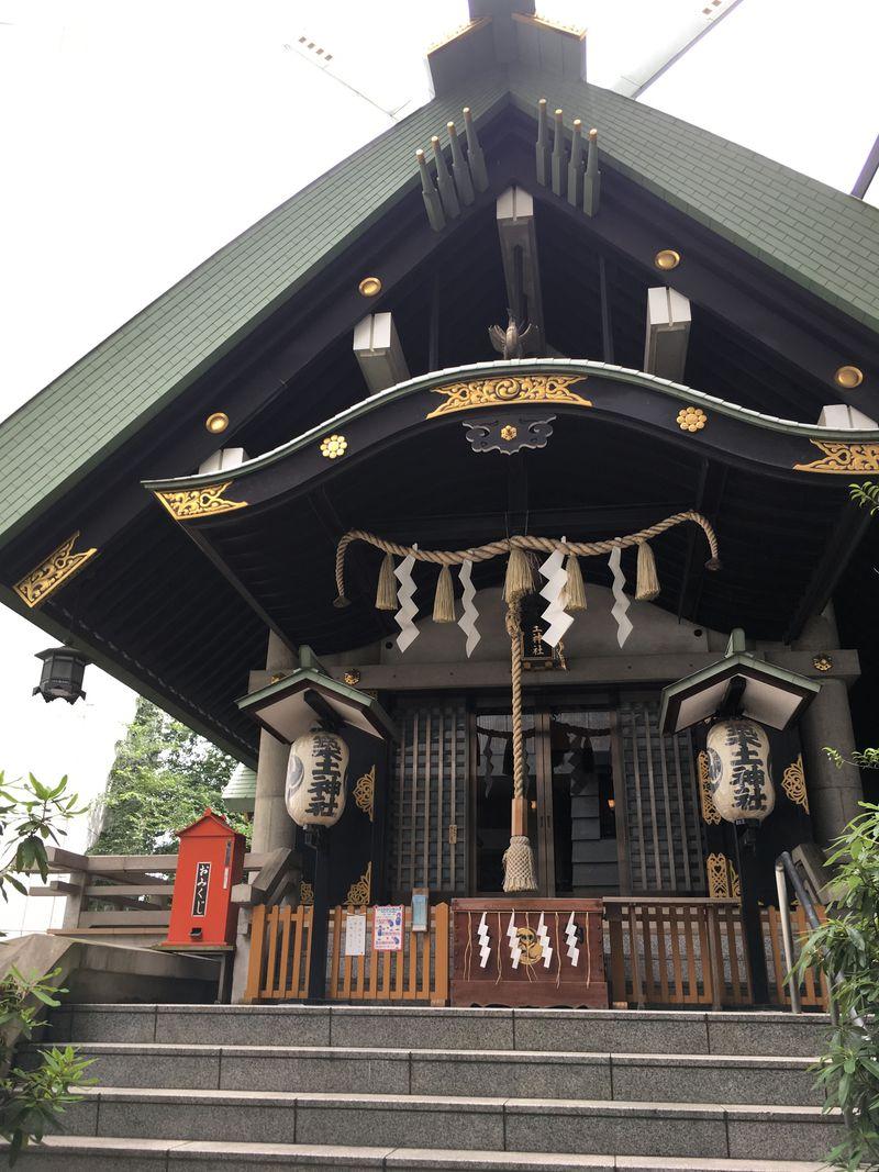 御神体は首桶!?史上名高い怨霊が祀られる九段下・築土神社