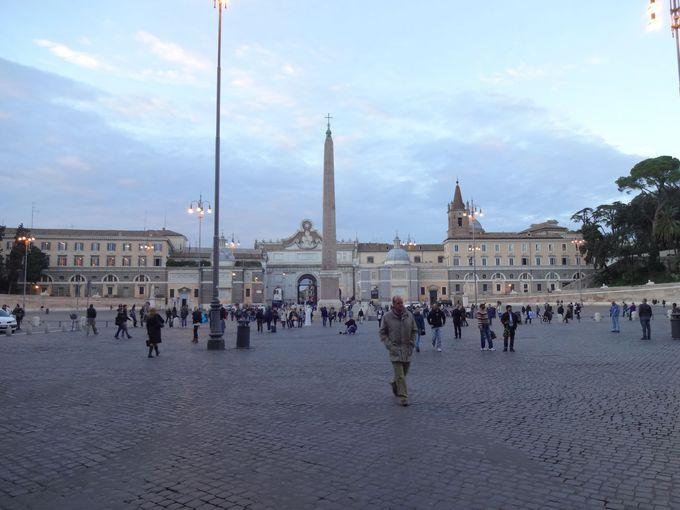 ローマの歴史を支える美しい広場、ポポロ広場