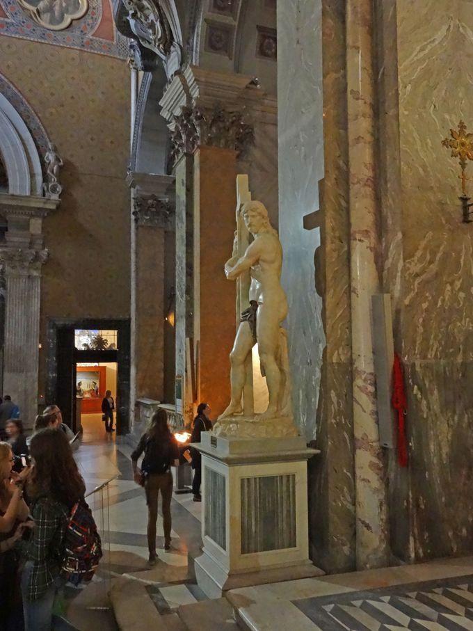 ミケランジェロにベルニーニ・・・彫刻作品も豪華!