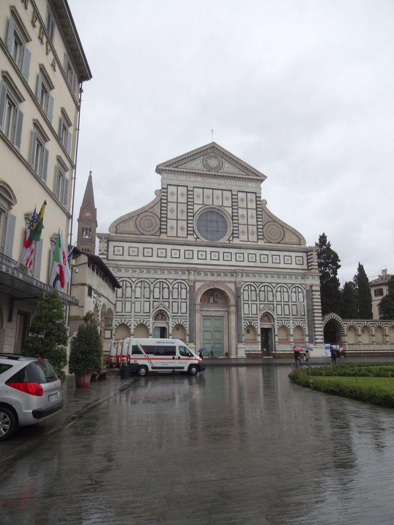 インスタ映えに最適!フィレンツェのステンドグラスの美しい教会4選