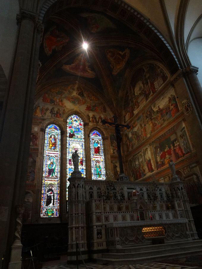 豪華なステンドグラスの数々に圧倒される!サンタ・マリア・ノヴェッラ教会