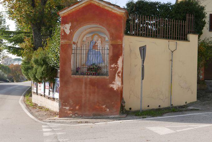 旧市街の外にも見所が!ゆっくり訪れたい教会や礼拝堂たち