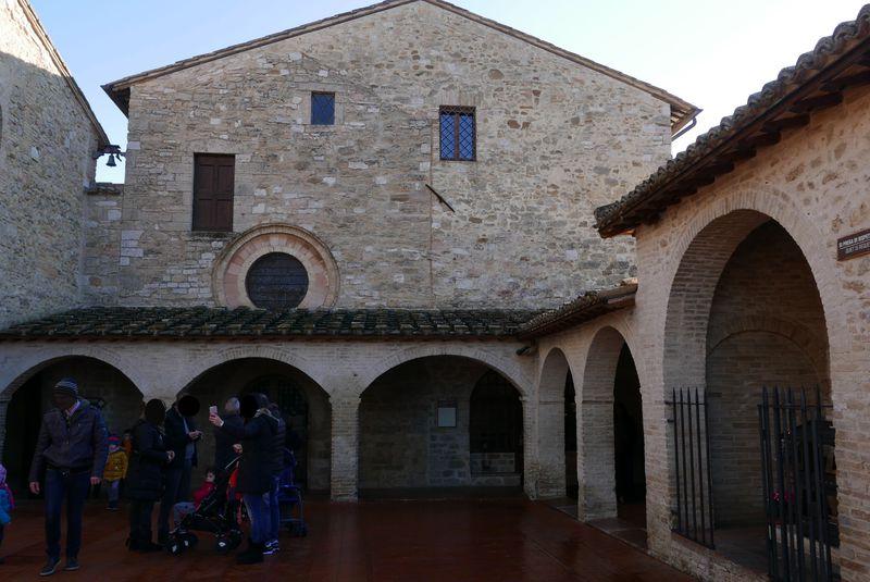 伊・アッシジの二人の聖人を支えた!サン・ダミアーノ修道院を訪れる