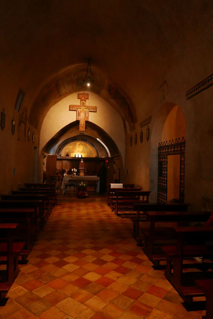 フランチェスコに神の声を告げた「十字架のキリスト像」