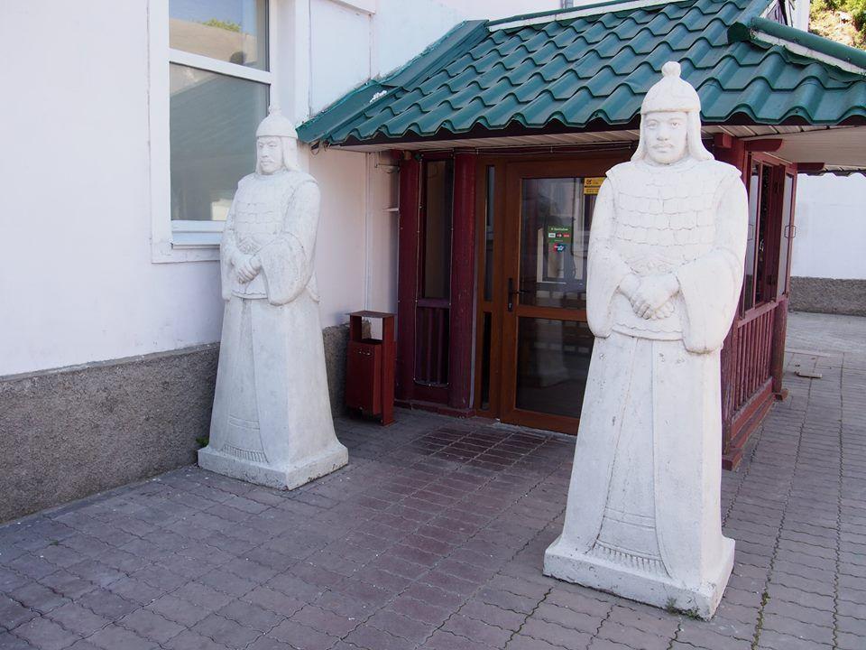ロシアにあるミステリアスな北朝鮮レストラン! レストラン「ピョンヤン」