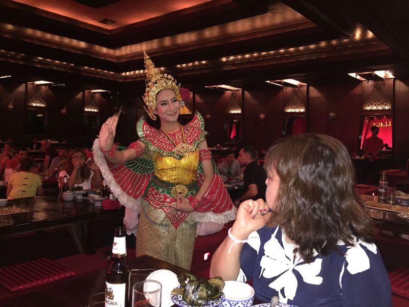 タイ舞踊を見るならここ!バンコク「ルアンテープ」をお勧めする理由
