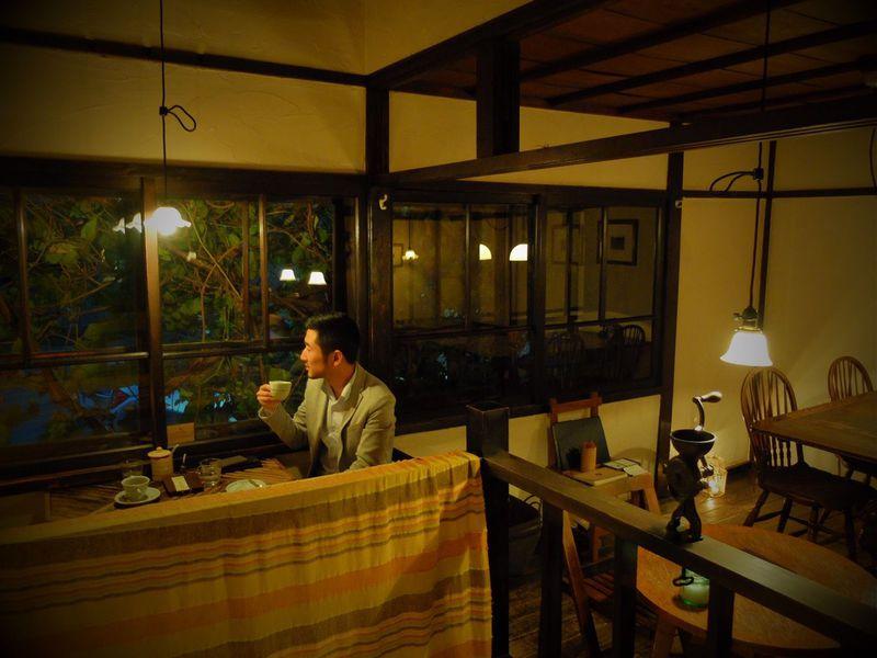 ジブリの世界を連想させる蔦に覆われた隠れ家カフェ「森彦」〜隠れ家〜