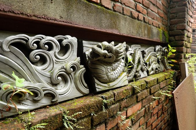 独特の美意識が宿る石の彫刻エリア