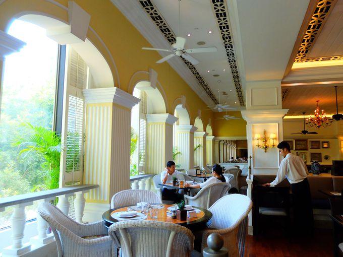 優雅なクラシックホテルでお茶&スイーツを嗜むべし