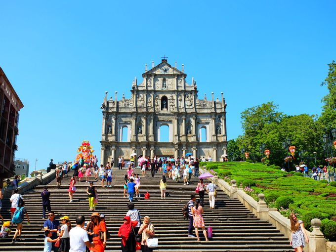 東西文化がミックスされた世界遺産歴史地区を押さえるべし