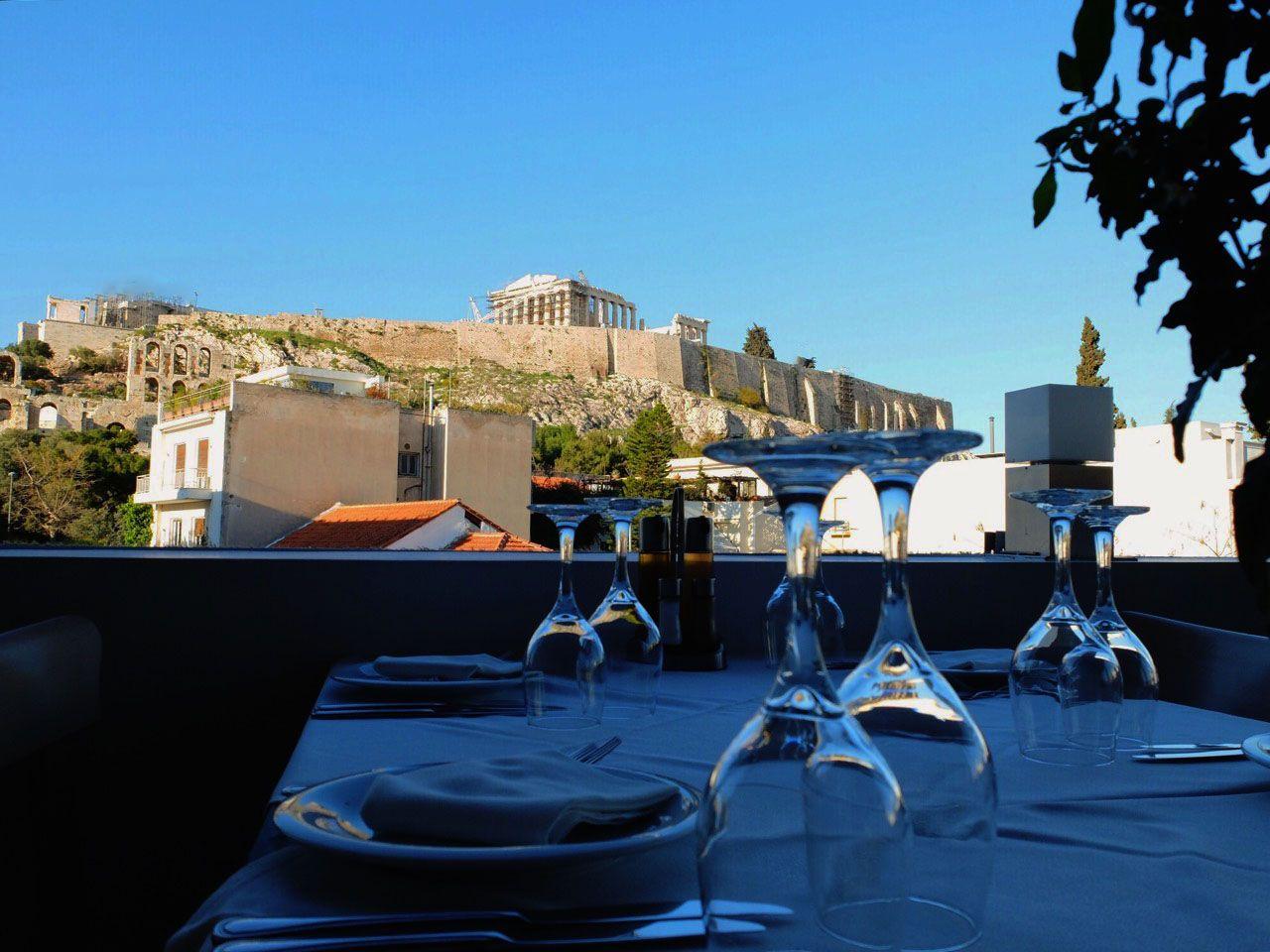 1.パルテノン神殿ビューのレストラン(アテネ)