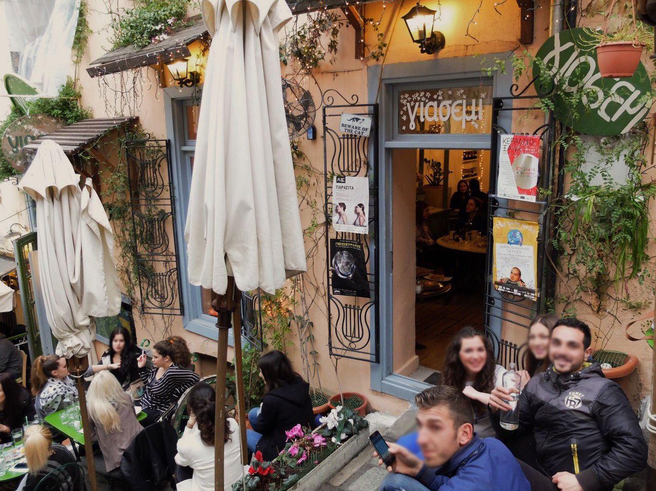 観光客は知らないローカルな素敵カフェ Yiasemi(イアセミ)