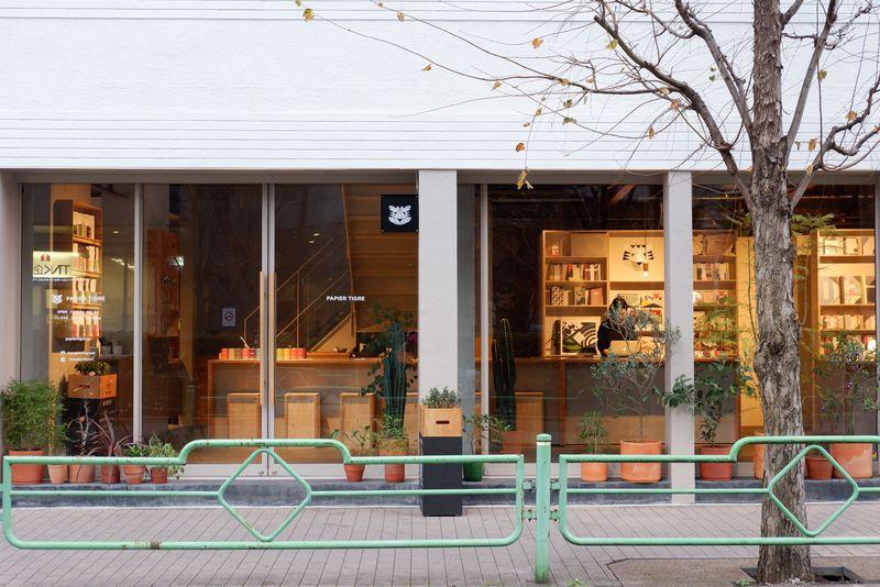 カフェ好きも必見!お茶もできる東京都内のステキ文具店5選