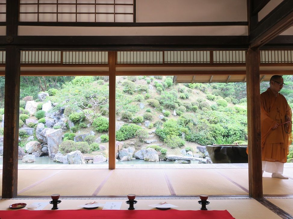 宿泊者だけの特別拝観!京都「宿坊 智積院会館」で心洗われる朝のひとときを
