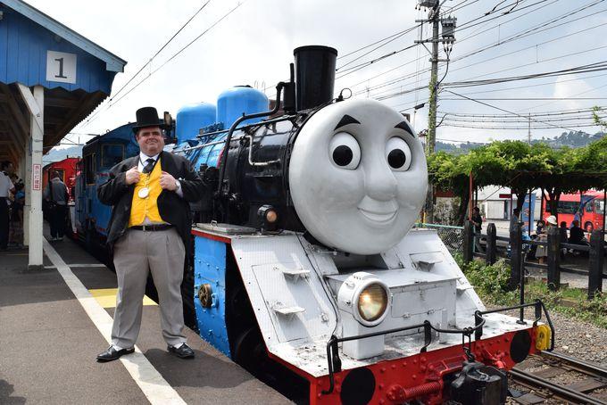 新金谷駅できかんしゃトーマス号と写真を撮って、出発進行!