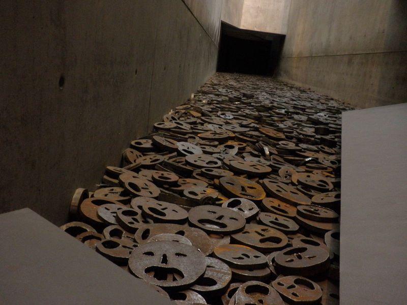 ドイツ「ベルリン・ユダヤ博物館」 ホロコースト、戦争の運命の軸を体験