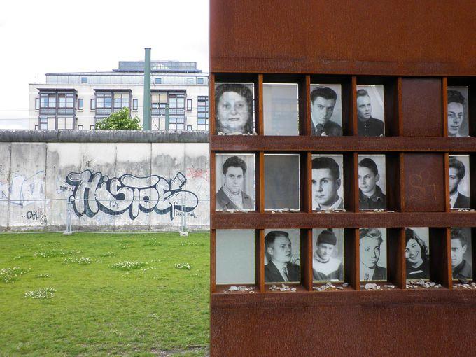 壁の犠牲者は136人