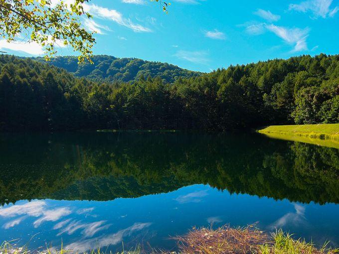 神秘的な美しい池の名前の由来は「神の御狩場」だったことから!?