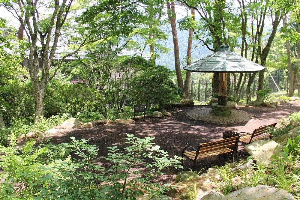 自然と調和した庭園と飲食施設で楽しいひと時を・・・