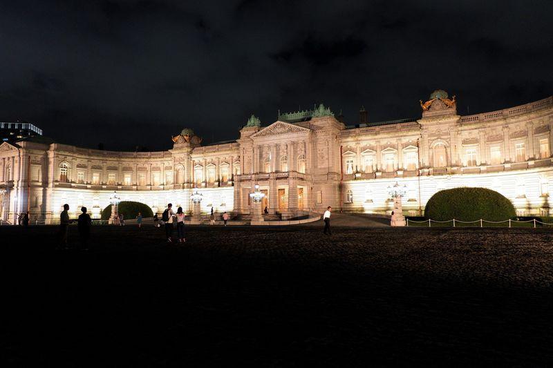 聖夜のライトアップも!迎賓館赤坂離宮の夜間公開がロマンチック