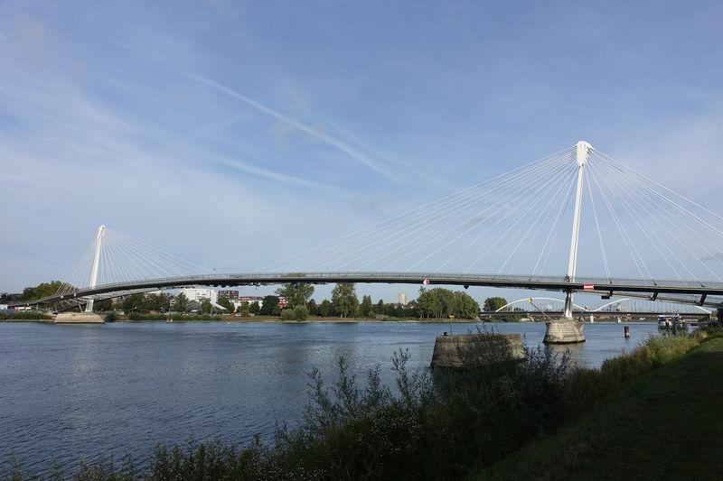 独仏国境を歩いて越えよう「ミムラムの歩道橋」はヨーロッパ平和の象徴