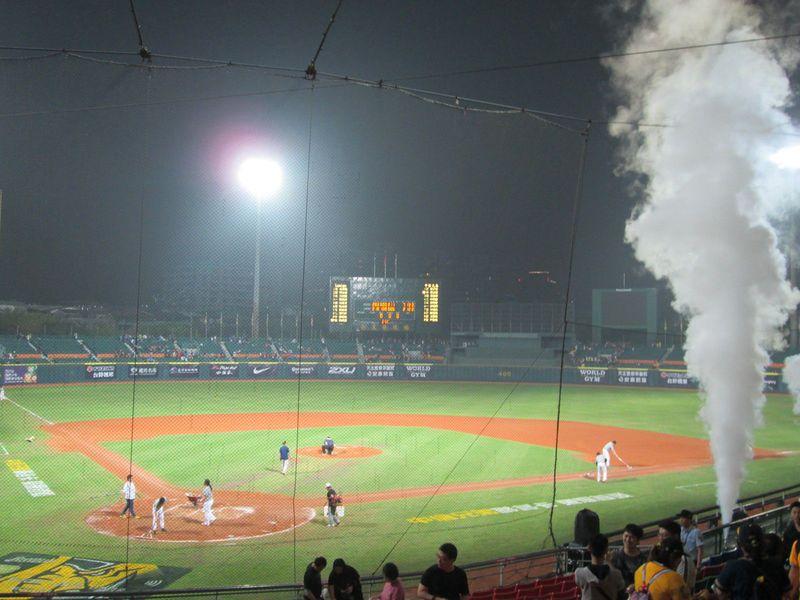 昭和レトロなプロ野球!?ノスタルジックかつダイナミックな台湾野球のすすめ