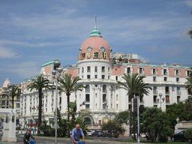地中海の絶景を独り占め!南仏ニースの最高級ホテル「ネグレスコ」で地中海バカンスを満喫!