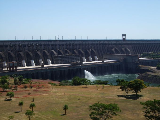 発電容量世界一のダム!イタイプダム