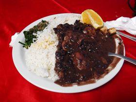 食文化もダイナミック!ブラジルで必ず食べたい名物料理5選