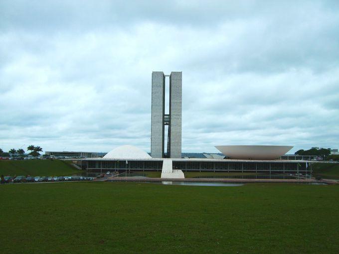 これぞブラジリアのシンボル!ブラジル国会議事堂