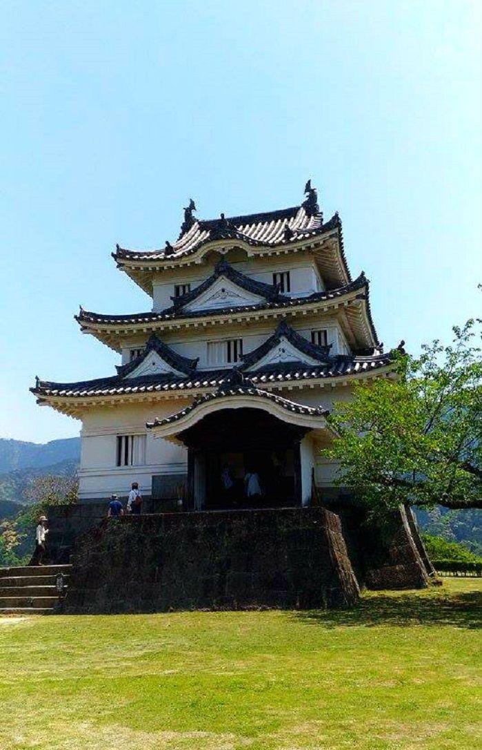 「現存12天主」の一つ。小さな天守閣がかわいらしい宇和島城!