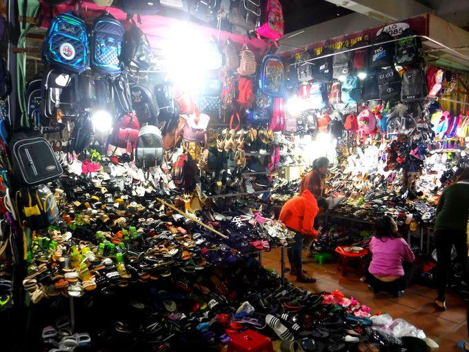その場で製造!?ベトナムで洋服を買おう!
