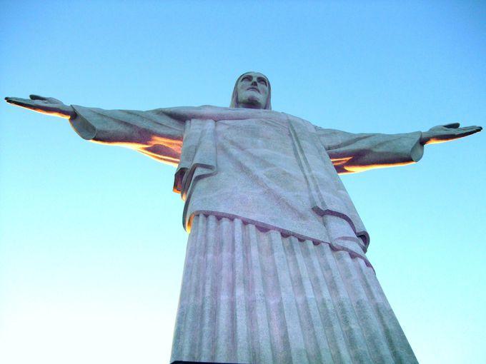 1.リオデジャネイロ: 山と海との間のカリオカの景観群