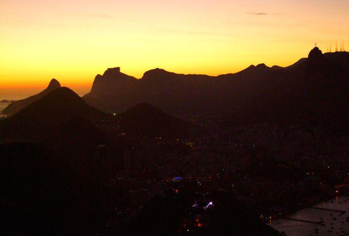 夕方:ポン・ジ・アスーカルからリオのサンセットを満喫